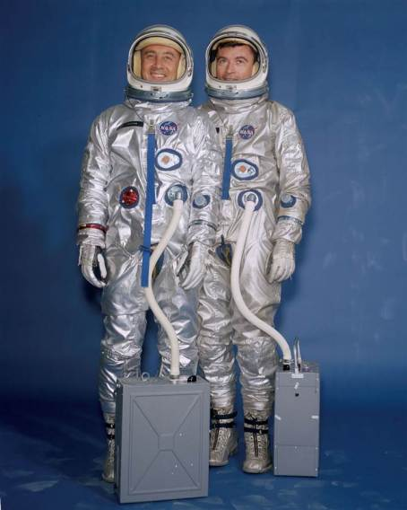 ss-170203-spacesuit-evolution-mn-06_3fb025036cd1f2ade58ef0628d90a2df-nbcnews-ux-1024-900