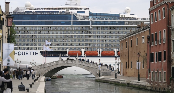 The Tourism Dilemma:Venice